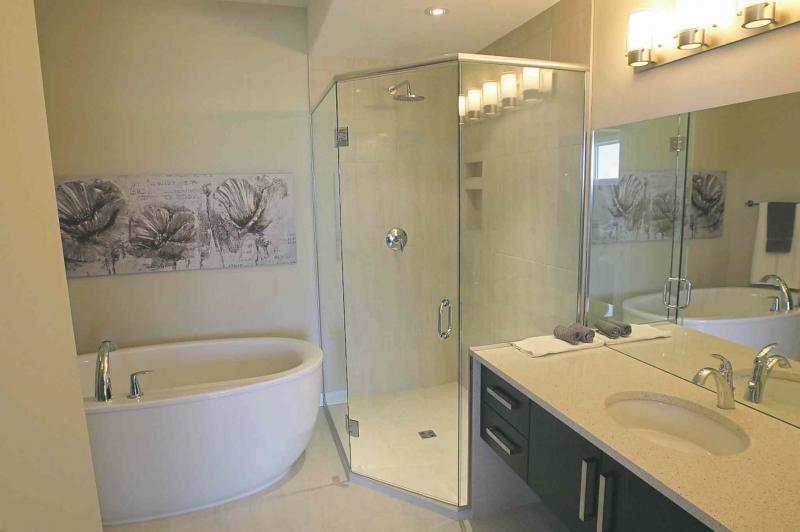 ưu điểm của cabin phòng tắm kính