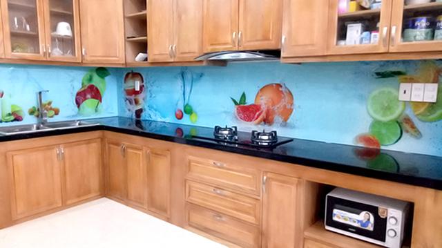 kính ốp bếp 3D tại Long Biên