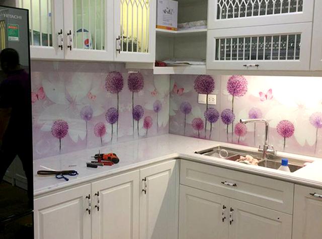 kính ốp bếp 3D tại Hoàng Mai