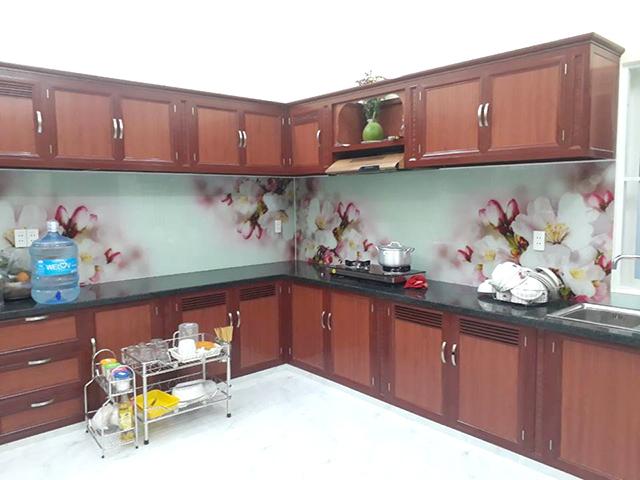 kính ốp bếp 3D tại Hai Bà Trưng