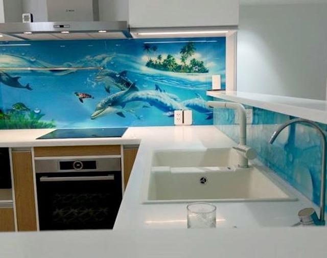 kính màu ốp bếp 3D tại Đống Đa