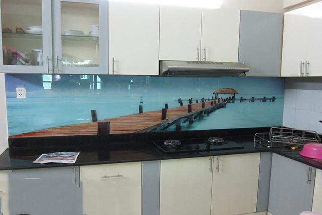 kính ốp bếp 3D tại Chúc Sơn